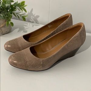 Clark's Collection Soft Cushion Wedge Heels